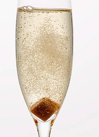 5-champagne-cocktails-perfect-for-your-next-gathering